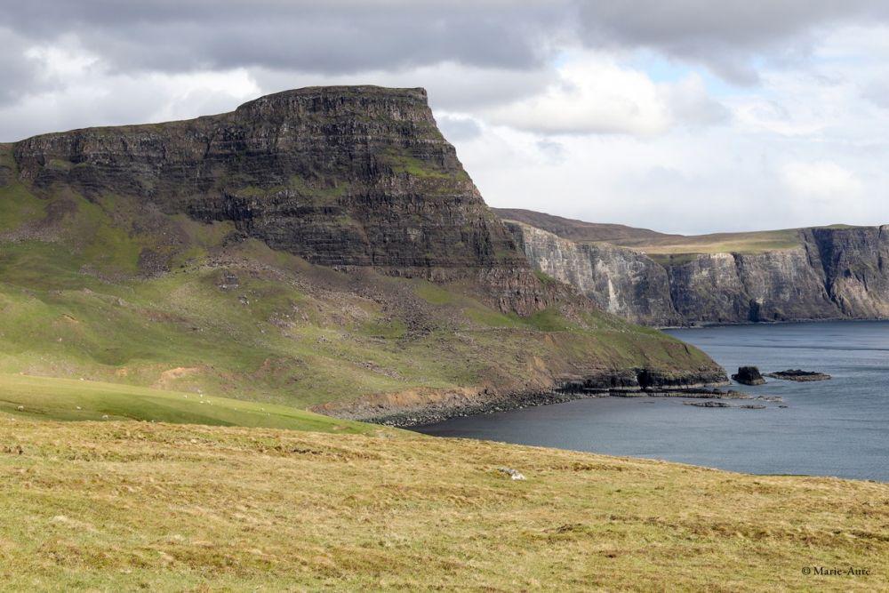Paysage falaises Îles de Skye Ecosse