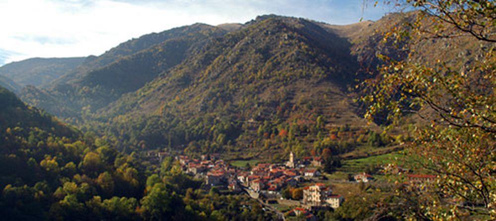 sejour-nature-pyrenees-catalanes-astronomie-village-py.jpg