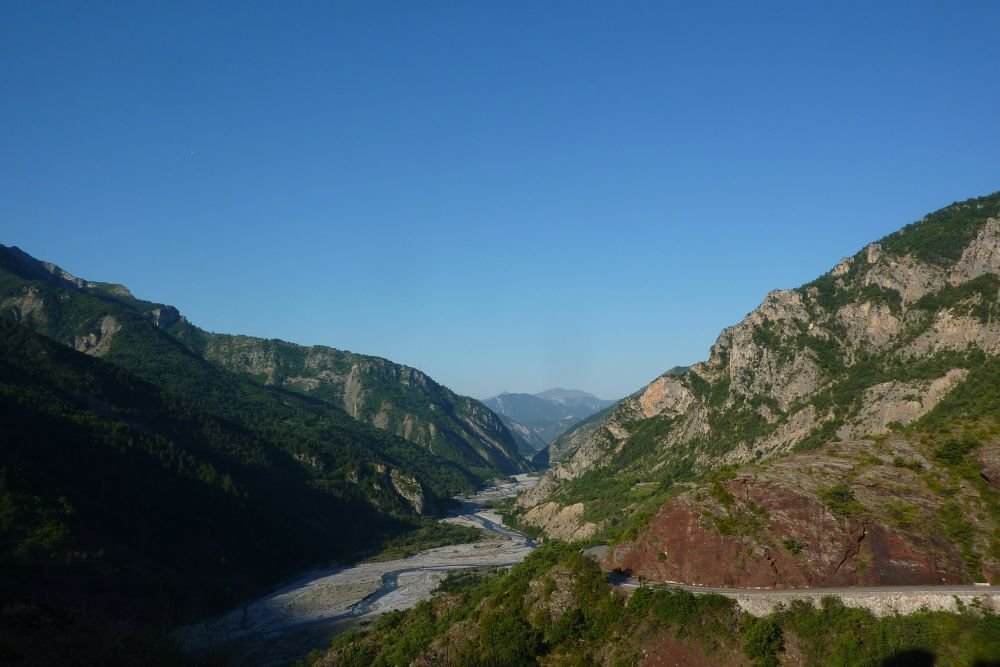 Le fleuve Var dans les gorges de Daluis © Tangi Corveler