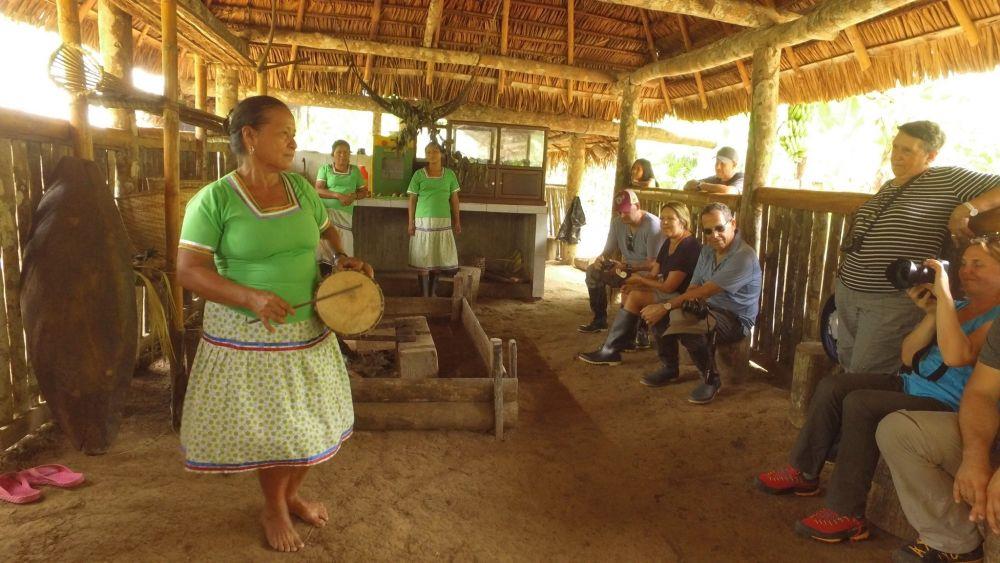 Rencontre avec les familles Kichwa © Amazon Explorer Manatee