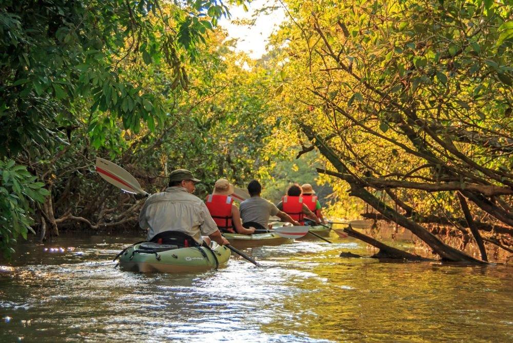 Canoë Kayak © Manatee Amazon Explorer