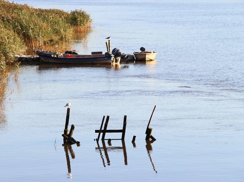 Bateaux sur le fleuve Sado © ZenFil