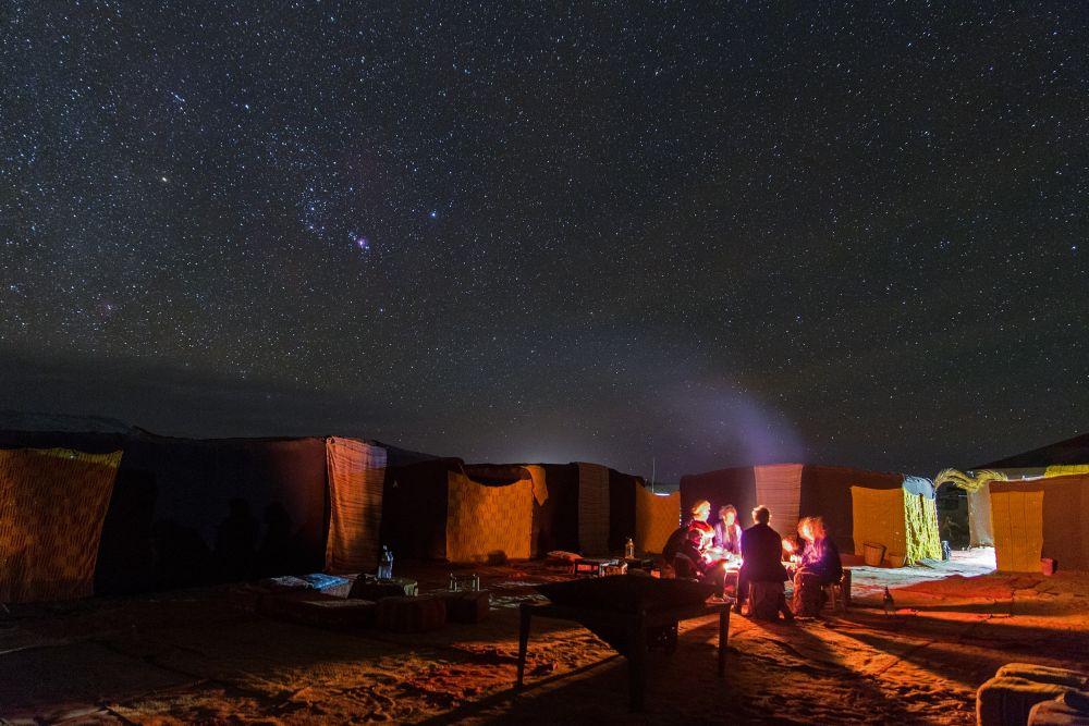 Campement dans le désert Marocain © Patrick Lecureuil