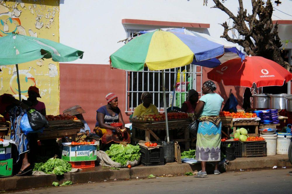 vendeuses sur marché