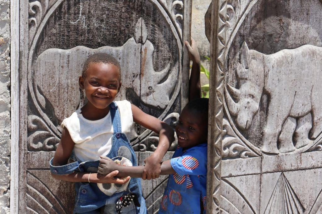 Enfants jouant à Ibo